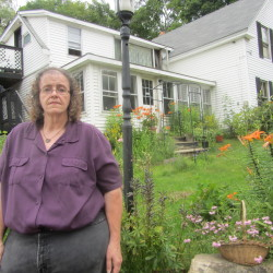 Camden resident sues to darken neighbor's outdoor lights