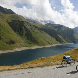 Rivals contemplate podium finishes ahead of Pyrenees
