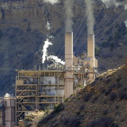 US unveils sweeping plan to slash power plant pollution