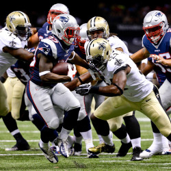 Saints roll, playoff newcomer Texans advance