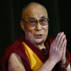 Obama meets with Dalai Lama, upsetting China