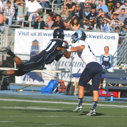 Versatile receiver Buttles grabs onto opportunity at UMaine