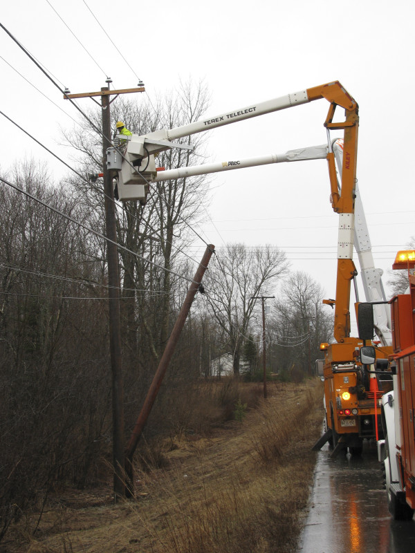Maine utilities regulators have moved closer to updating rules that would allow broadband and wireless phone services to request access to utility poles, just as phone companies can.