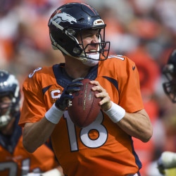 Manning makes his Denver debut at Chicago