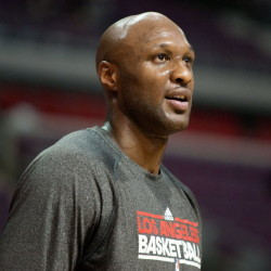 Lakers trade Odom to Mavs for first-round pick