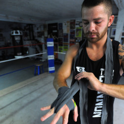 Former student stops Davis after first round in MMA showdown fight