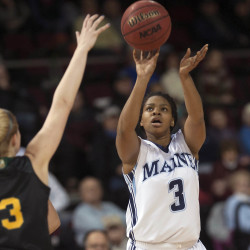 Roberts, Bodine propel Maine women's basketball team to third straight win