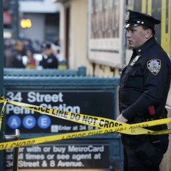 Police: Mom abandoned baby on New York subway platform, hopped on next train