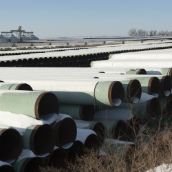 Canada oil pipeline into US gets extension support