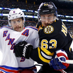 Chara-led Bruins rally past Rangers