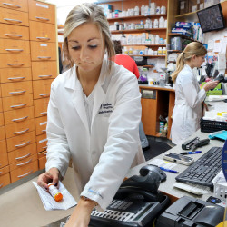 Many doctors prescribe pricier drugs than needed, study finds