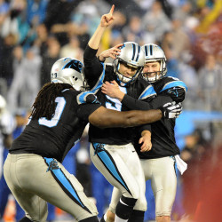 Panthers pass Patriots in final minute, 24-20