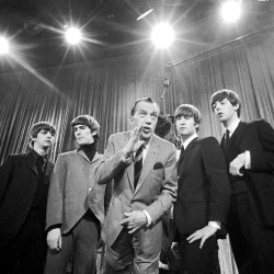 Beatles photographer Robert Whitaker dies at 71