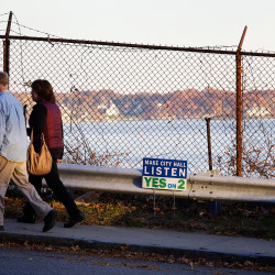 Opponents hold heavy campaign spending advantage as anti-tar sands ordinance debate reaches final week in South Portland