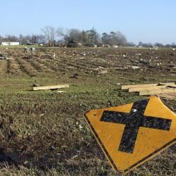 Tornadoes rip through Texas, killing six
