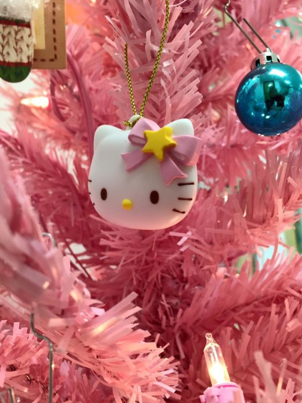 These Are Your Best Comments On The Hello Kitty Christmas Tree