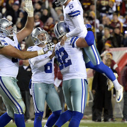 Cowboys beat Redskins, remain in tie for NFC East lead