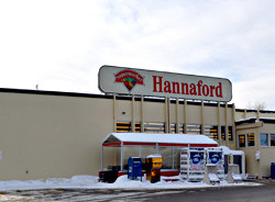 Hannaford supermarket in Yarmouth to add online ordering, curbside pickup