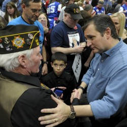 Cruz beats Trump in Iowa; Clinton, Sanders too close to call