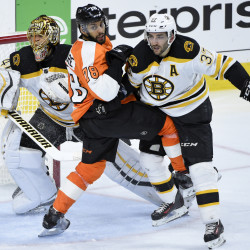 Bruins start fast, pound Flyers