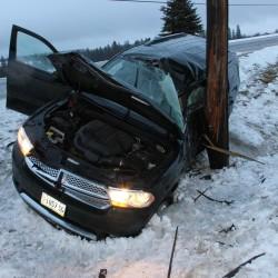 Eagle Lake man seriously hurt in crash into large tree