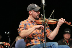 Hundreds flock to fiddle jamboree