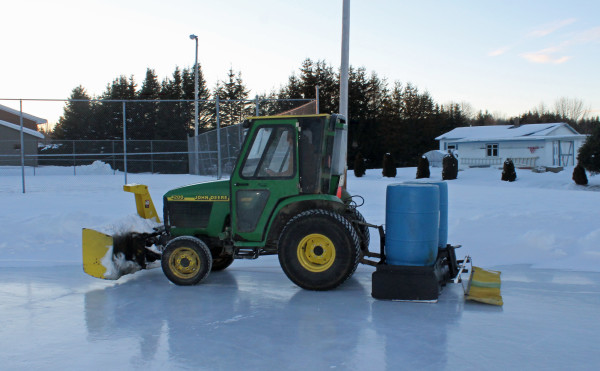 Homemade \'Zamboni\' helps Van Buren rink stay smooth — Aroostook ...