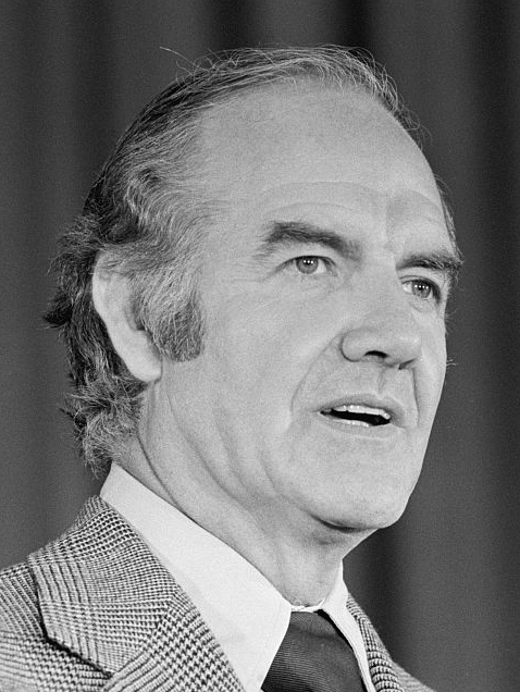 Former Sen. George McGovern, '72 candidate for president, dies at 90