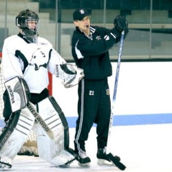 Bowdoin College skaters to help with food drive, open skate