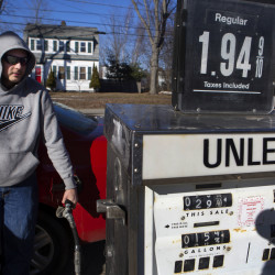 Average gas price in Maine down 6 cents in past week, but don't get used to it