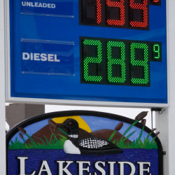 Gas prices dip to $1.88 average in Maine
