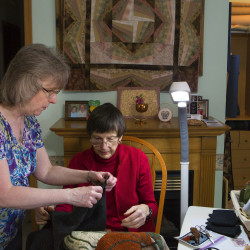 'Rug Hooking' finds Maine's place in the craft