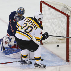 Bruins beat up Rangers, take 2-0 series lead