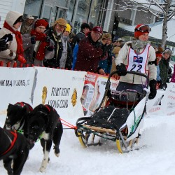 Aroostook Medical Center nurse finds another passion in mushing, plans to compete in Can-Am 250 in 2015