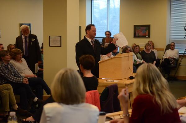Maine Legislators Compromise On Mental Health Services Safeguard