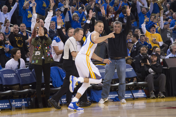 the best attitude 1a002 80a41 Behind Curry's 46, Warriors roll to NBA record 73rd win ...