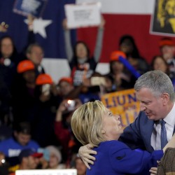 Liberal Democrat Bill de Blasio wins New York City mayor's race