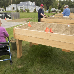 Hints for healthy gardening practices to keep seniors active