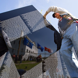 Vietnam War veterans honored in Stacyville at Moving Wall Memorial