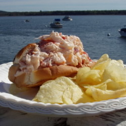 What makes a really good Maine lobster roll? Experts crack the code — Living — Bangor Daily News ...