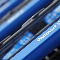 Wal-Mart brings back layaway for holiday shoppers