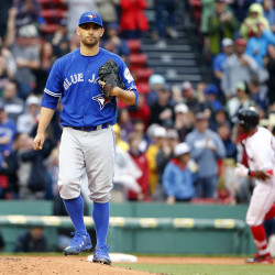 Lind's ninth-inning homer leads Blue Jays over Red Sox, 3-2