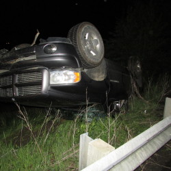 Lewiston woman, 19, hurt in I-95 rollover