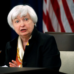 Fed officials split over new stimulus action