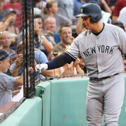Rivera ties MLB record with 601st career save