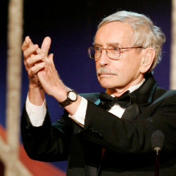 Edward Albee accepts applause from the audience after he was awarded his Lifetime Achievement Tony Award at the American Theatre Wing's 59th Annual Tony Awards show at Radio City Music Hall in New York, June 5, 2005.