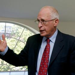 British-born economics professor Oliver Hart, a professor at Harvard University, and winner of the 2016 Nobel Prize for Economics, speaks to the media in Cambridge, Massachusetts, Oct. 10, 2016.