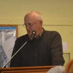Wiscasset Taxpayers Alliance spokesman Bill Sutter addresses the Wiscasset Board of Selectmen on Tuesday in Wiscasset.