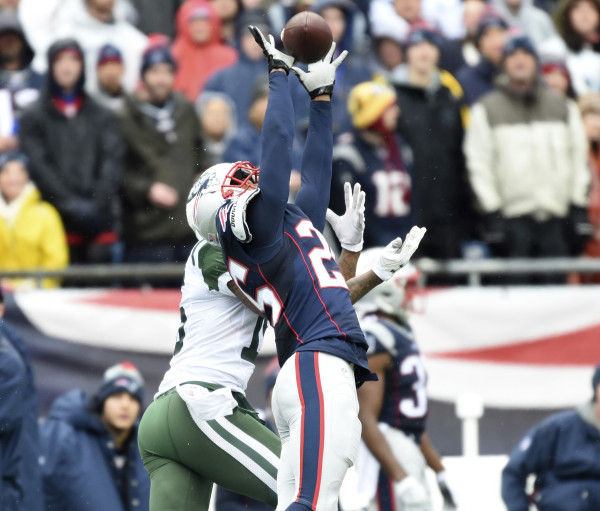 the best attitude 7a364 d1c96 Patriots maul Jets, inch closer to No. 1 seed — Football ...