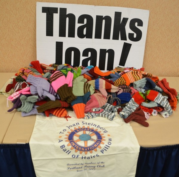 Lyseth School thanks Joan Steinberg for her generous mitten donation